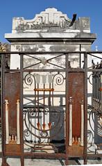 Avart gate
