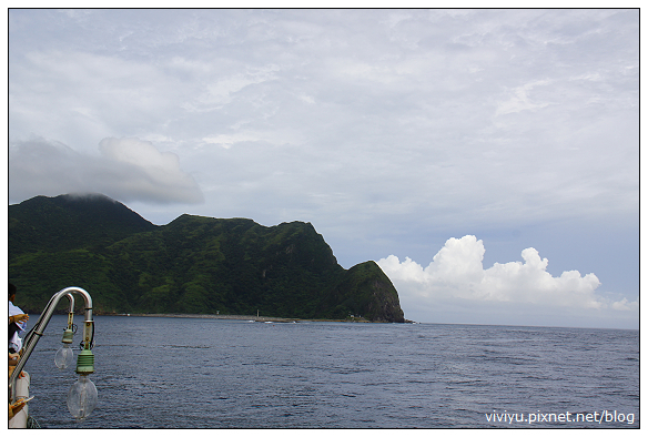 [頭城休閒旅遊達人來帶路]龜山島賞鯨豚繞島一圈.新福豐36號 @VIVIYU小世界