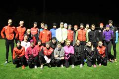 """Masser af glade triatleter til løbetræning på Tårnby Stadion. Gæstestjernerne Michelle Vesterby og Jens Petersen Bach længst til højre • <a style=""""font-size:0.8em;"""" href=""""http://www.flickr.com/photos/96064512@N07/11106946223/"""" target=""""_blank"""">View on Flickr</a>"""