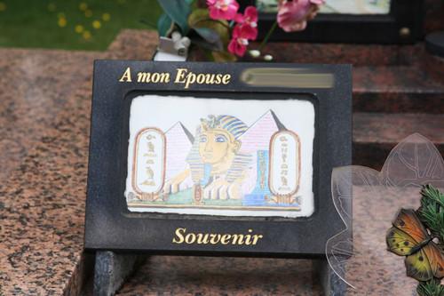 "Grabkultur in Frankreich • <a style=""font-size:0.8em;"" href=""http://www.flickr.com/photos/91404501@N08/14876361496/"" target=""_blank"">View on Flickr</a>"