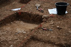 "West Kennet dig, 2014 • <a style=""font-size:0.8em;"" href=""http://www.flickr.com/photos/96019796@N00/14891247753/"" target=""_blank"">View on Flickr</a>"