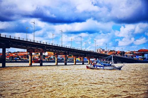 Ponte do São Francisco, liga o Centro Histórico ao bairro do São Francisco atravessando o Rio Anil. . São Luís, Maranhão