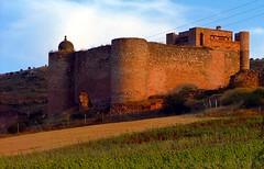 Palazuelos: una pedanía amurallada / a fortified town