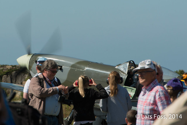 Spitfire taxing through the crowd