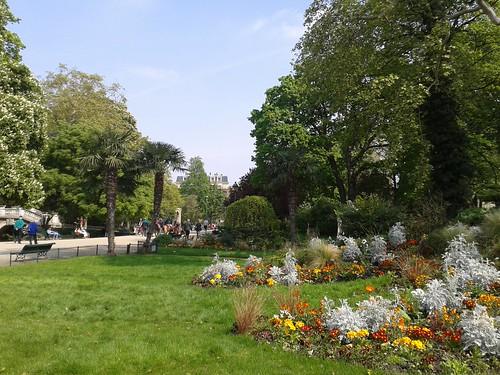 """Parc de Monceau - Paris France • <a style=""""font-size:0.8em;"""" href=""""http://www.flickr.com/photos/104409572@N02/15156445318/"""" target=""""_blank"""">View on Flickr</a>"""