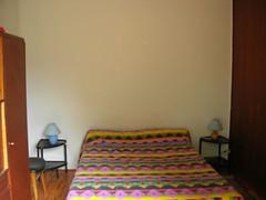 vue-sur-la-chambre-depuis-la-porte-fenetre-au-chalet-1-chambre-1024x768