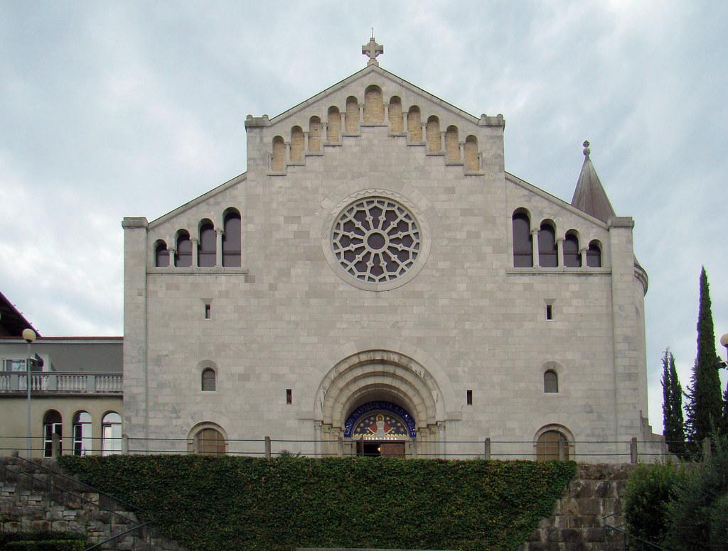 Iglesia de la Anunciacion exterior Opatija Croacia