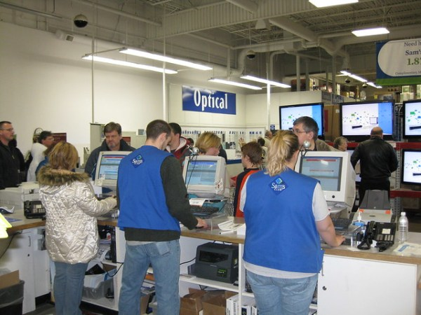 Overwhelmed Sam's Club Employees Hustle To Print One-Day P ...