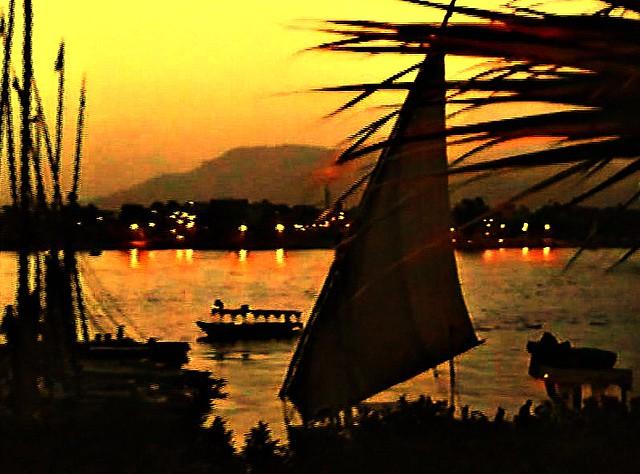 Ägypten, Abends am Nil in Luxor, effect -   4