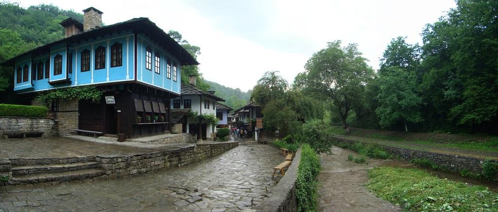 casas edificios rio Sivek Complejo etnografico y arquitectonico de Etara Bulgaria 11