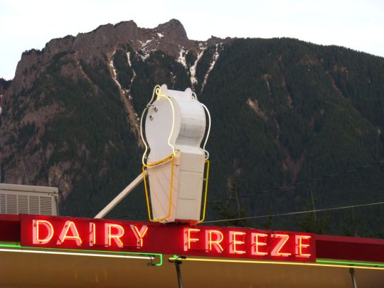 Scott's Dairy Freeze - North Bend, Washington U.S.A. - February 3, 2009