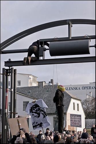 Vík Burt Ríkistjórn-Kosningar-strax