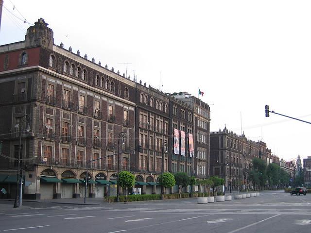 Edificio Frente a Catedral. Zócalo Ciudad de México