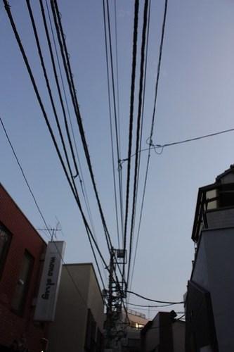 青山の電柱