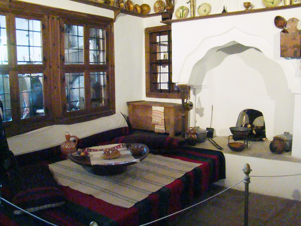 comedor chimenea interior Casa de comerciante en Arbanasi Bulgaria 18