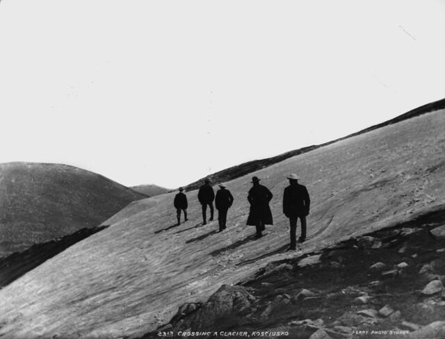 Crossing a glacier, Kosciusko