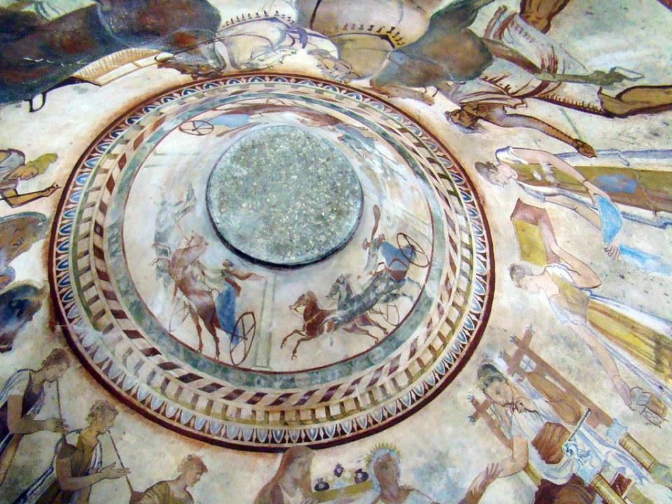 techo Pintura mural al fresco Tumba de Seuthes III en tumulo Golyama Kosmatka Kazanlak Bulgaria 39