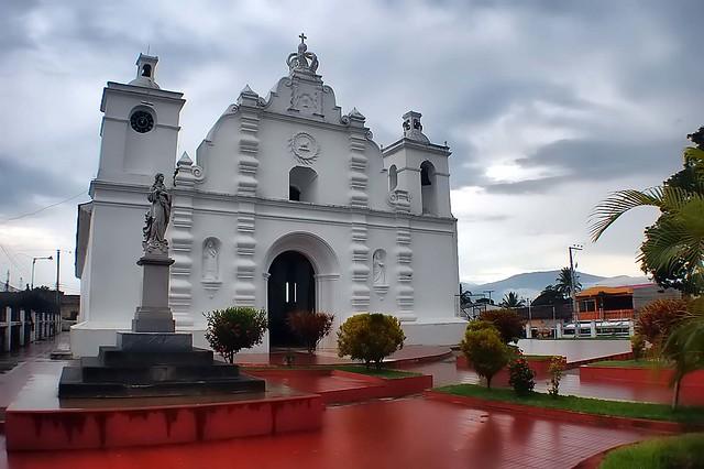 Iglesia colonial de Opico