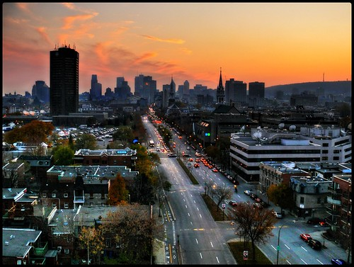 An autumn sunset on Montreal