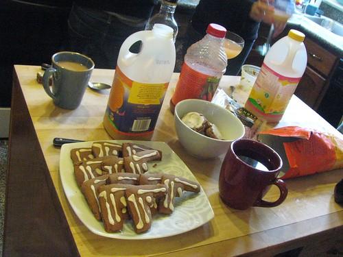 Tea & Gingerbread Guns