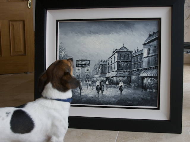Snoopy the Art Critic. Photo: Bob Conn (CC BY-NC-SA 2.0)