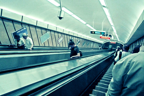 Up and Down In Budapest - Photo : Gilderic