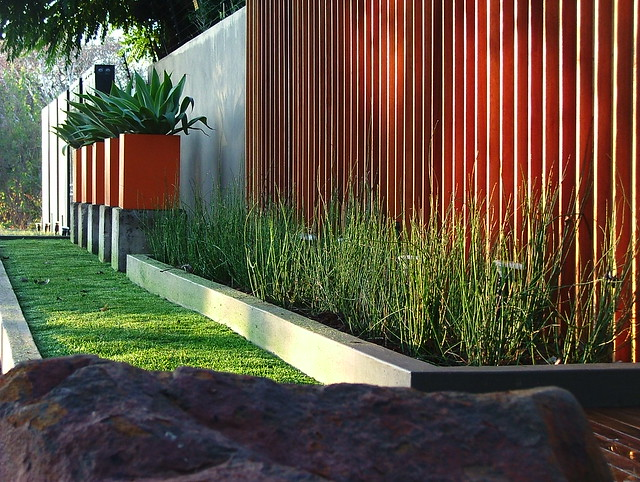 garden inspiration - a gallery on Flickr on Backyard Feature Walls id=38000