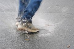 mari puddle splashing