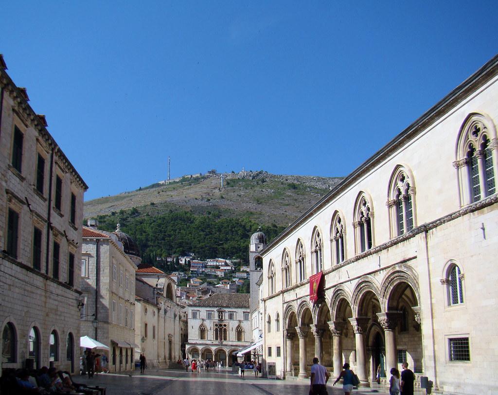 Palacio del Rector y Palacio Sponza Plaza de la Luza o de la Loggia Calle Placa Stradun Dubrovnic Croacia 26