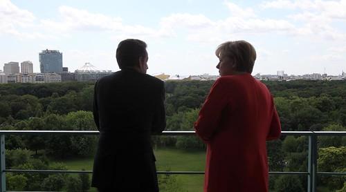 Nicolas Sarkozy rencontre Angela Merkel à Berlin