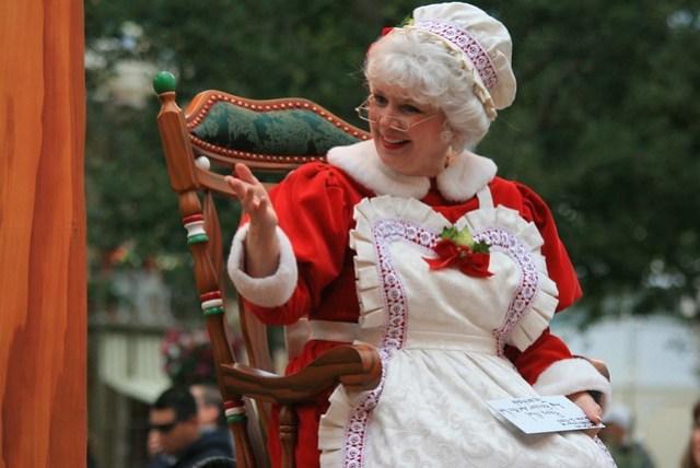 A Christmas Fantasy Parade: Mrs. Claus