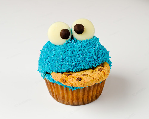 Cookie Monster Cupcake 1