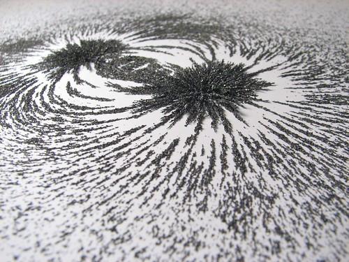 Magnetic field - 15 by Windell Oskay CC Flickr