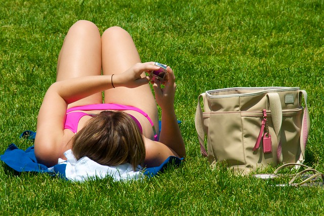 We can't resist the temptation to read our email, even when we intended to bask in the sun