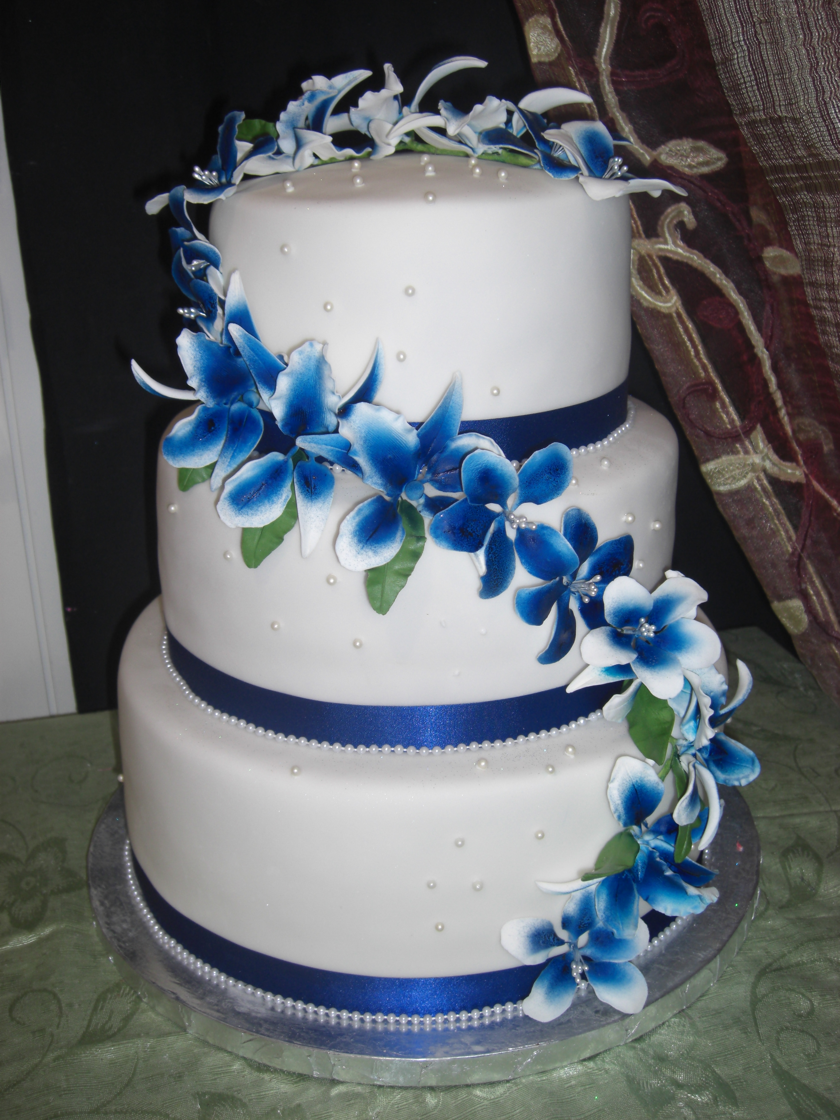 Wedding Cake In White And Royal Blue Flickr