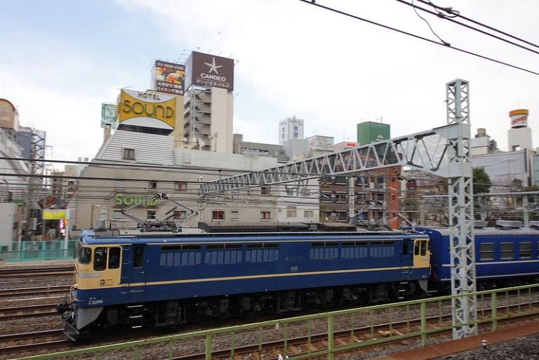 上野→尾久への回送 EF65-501