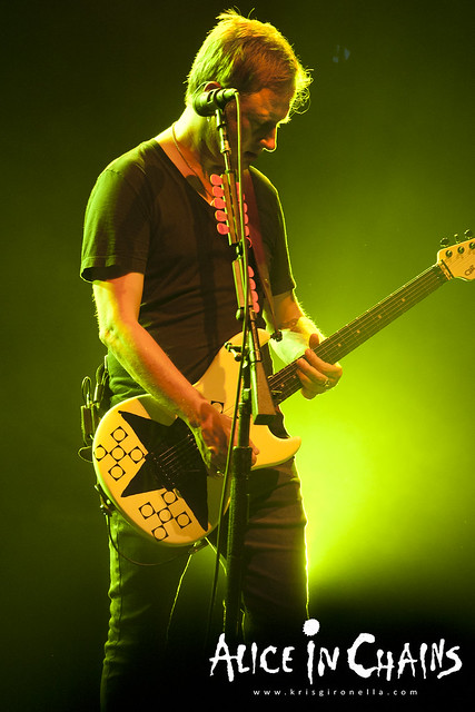 Jerry Cantrell doing his riffs - Singapore Rock Fest 2014