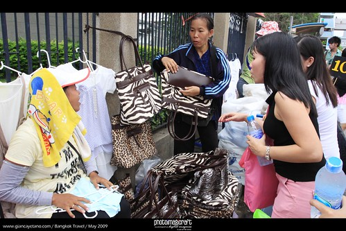 haggling the price for bag with a fur by GianCayetano