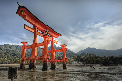 Torii by WilliamBullimore