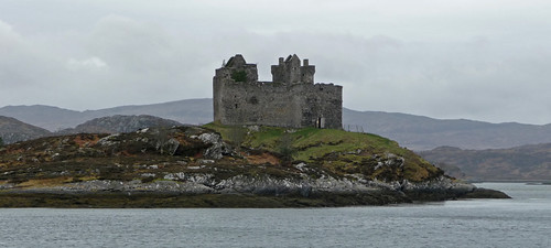 Image of Castle Tioram by Iain Simpson on Flickr (creative commons license)