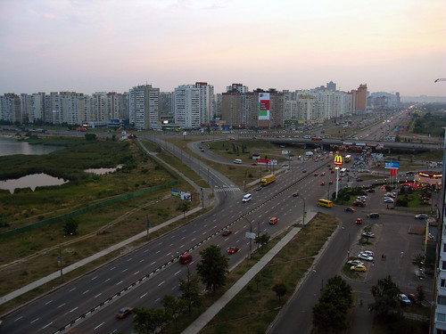 Highway to the center of Kyiv - CC Andrew Bossi