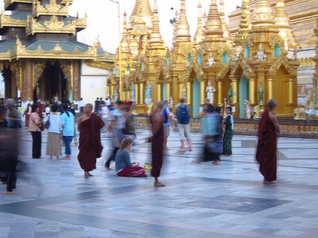 Myanmar by Mina: Shwedagon Pagoda