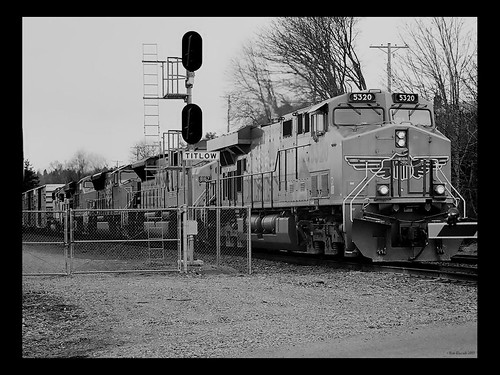 Southbound by Narrows Marina by rodtrains