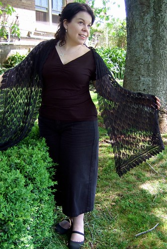 Myrtle Leaf Shawl with Willow Border