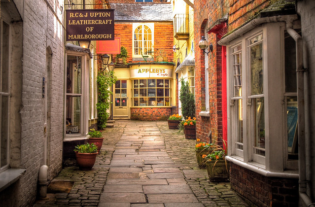 Old Appleby's Yard in Marlborough, Wiltshire, by Anguskirk. Photo used under Creative Commons, click pic for link.