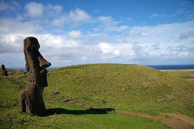 25 Awesome Places You Must Visit Before You Die chalbatohi easter Island