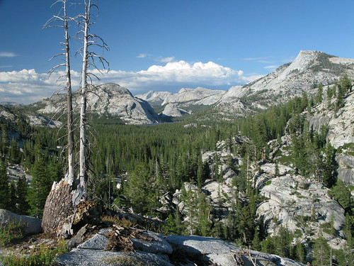 Tenaya Lake from Olmstead Point by webmink