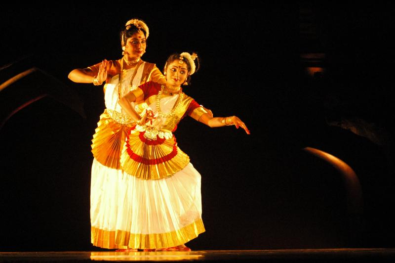 Mohiniyattam, classical dance from kerala, India