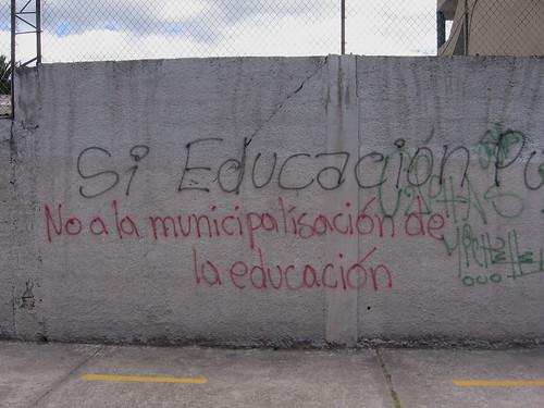 "north Quito (near Parque Carolina), Ecuador: ""No to the muncipalization of education"""