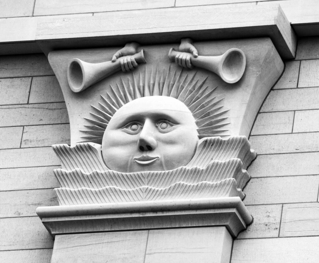 Plump-faced sun